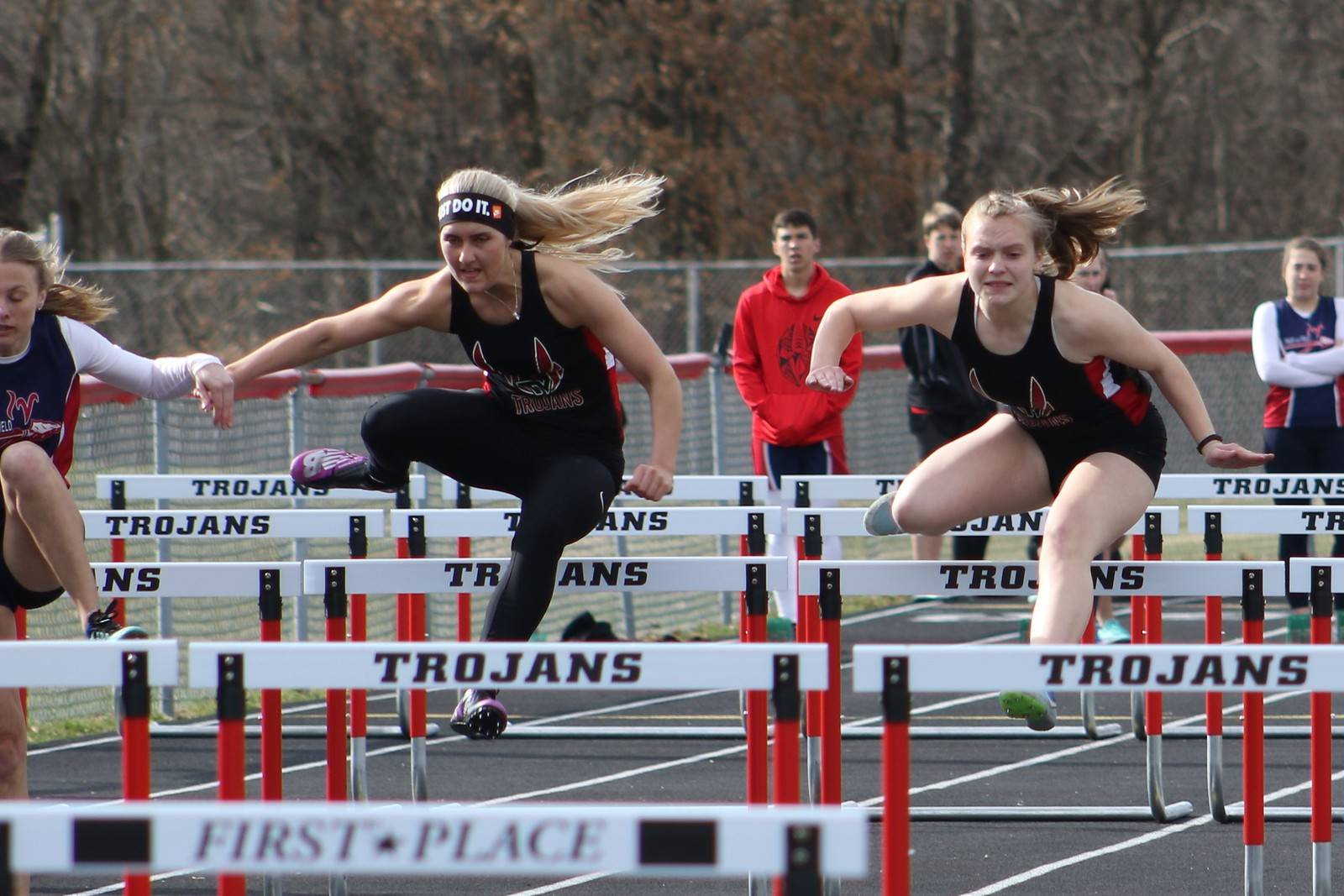 Ashley Kinsey hurdles