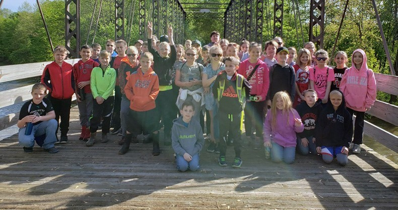 4th Grade Students on Towpath Trail